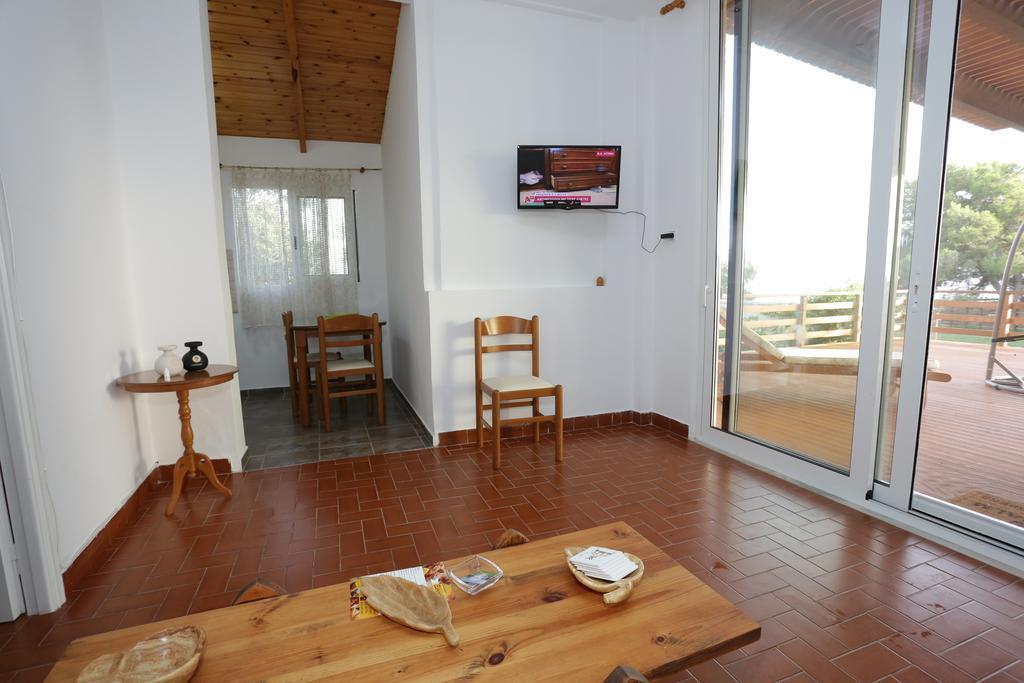 ενοικιαζομενα-δωματια-ρωμανος, НОМЕР КЛАССА ЛЮКС (DELUXE SUITE), www.suitesartemis.gr